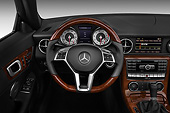 AUT 30 IZ1519 01