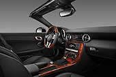 AUT 30 IZ1520 01