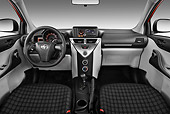 AUT 30 IZ1635 01