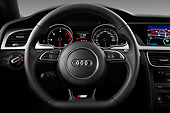 AUT 30 IZ1690 01