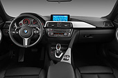 AUT 30 IZ1735 01