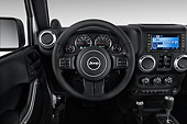 AUT 30 IZ2138 01