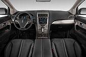 AUT 30 IZ2232 01