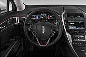 AUT 30 IZ2242 01