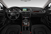 AUT 30 IZ2439 01