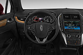 AUT 30 IZ2713 01