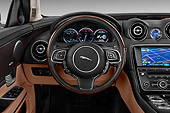 AUT 30 IZ3130 01