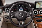 AUT 30 IZ3174 01