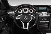AUT 30 IZ3182 01