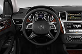 AUT 30 IZ3190 01