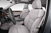 AUT 30 IZ3192 01