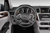 AUT 30 IZ3194 01