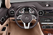 AUT 30 IZ3202 01