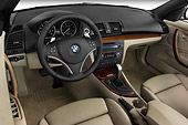 AUT 30 IZ0428 01