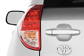 AUT 30 IZ0710 01