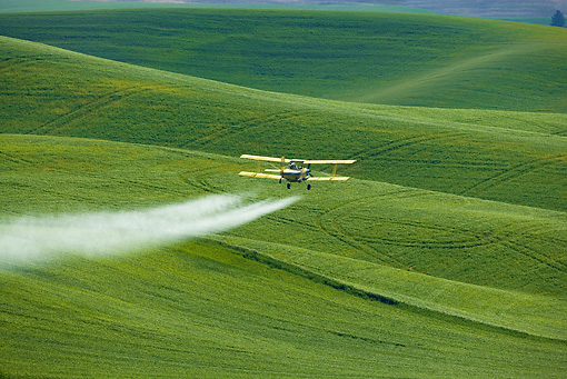 AIR 01 KH0001 01 © Kimball Stock Phyto-Sanitary Treatment By Air On Crops In Spring