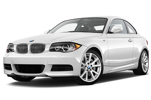 AUT 01 IZ0085 01 © Kimball Stock 2013 BMW 1 Series 135 Coupe White 3/4 Front View On White Seamless