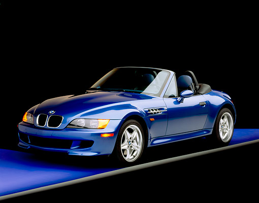AUT 01 RK0044 01 © Kimball Stock 1999 BMW M Roadster Z3  Blue 3/4 Front View Purple Floor Gray Line Studio