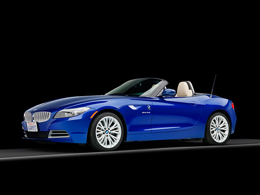 AUT 01 RK0343 01 © Kimball Stock 2009 BMW Z4 Convertible Blue 3/4 Front View Studio