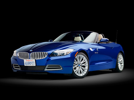 AUT 01 RK0347 01 © Kimball Stock 2009 BMW Z4 Convertible Blue 3/4 Front View Studio
