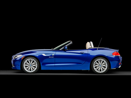 AUT 01 RK0348 01 © Kimball Stock 2009 BMW Z4 Convertible Blue Profile View Studio
