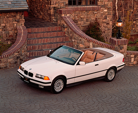 AUT 01 RK0032 03 © Kimball Stock 1994 BMW 325 Convertible White Overhead 3/4 Side View By Steps
