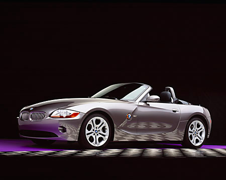 AUT 01 RK0147 06 © Kimball Stock 2003 BMW Z4 3.0i Convertible Gray 3/4 Front Studio Checkered Floor