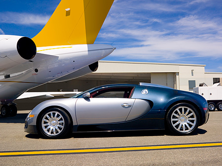 AUT 02 RK0084 01 © Kimball Stock 2007 Bugatti Veyron Silver And Blue Profile By Airplanes