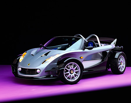 AUT 04 RK0065 06 © Kimball Stock 2000 Lotus Elise 340R 3/4 Front View On Purple Floor Studio