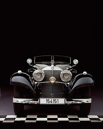 AUT 05 RK0346 01 © Kimball Stock 1937 Mercedes-Benz 540K Special Roadster Black