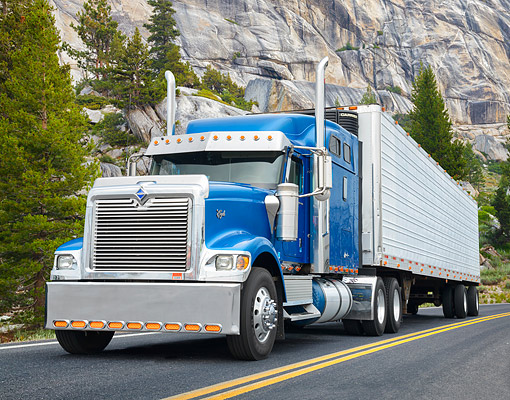 AUT 07 BK0052 01 © Kimball Stock 2016 International 9900i Eagle Blue 3/4 Front View By Mountain