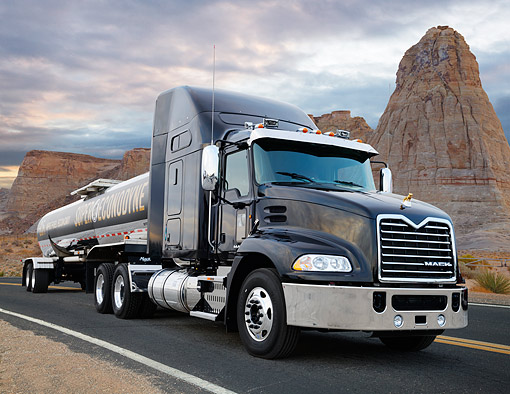 AUT 07 RK0413 01 © Kimball Stock 2013 Mack Pinnacle Super Econodyne Black 3/4 Front View On Road In Desert