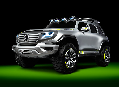 AUT 09 RK1294 01 © Kimball Stock Mercedes-Benz Ener-G-Force Concept Silver 3/4 Front View In Studio