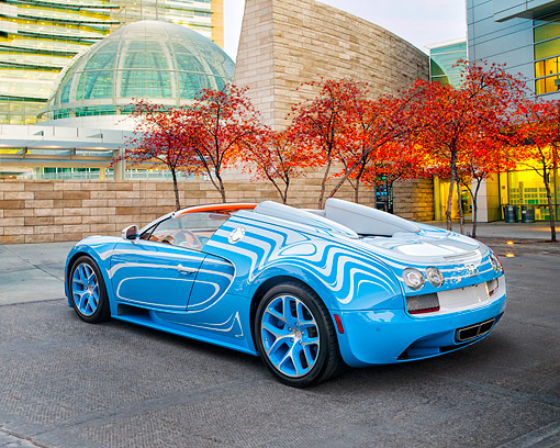 AUT 09 RK1362 01 © Kimball Stock Bugatti Veyron Vitesse L'or Blanc Blue One-Off Supercar 3/4 Rear View By Building