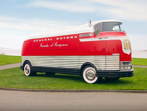 AUT 09 BK0002 01 © Kimball Stock 1940 GM Futurliner Concept Bus Red And White 3/4 Front View On Grass