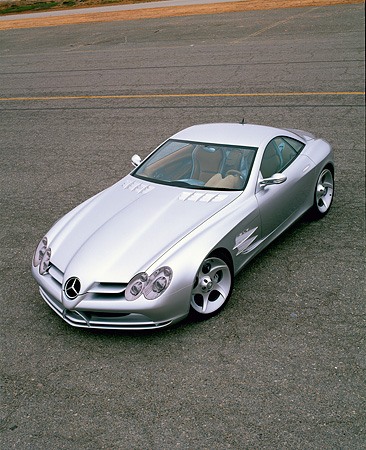 AUT 09 RK0257 08 © Kimball Stock Mercedes-Benz Vision SLR Silver Overhead 3/4 Front View On Pavement