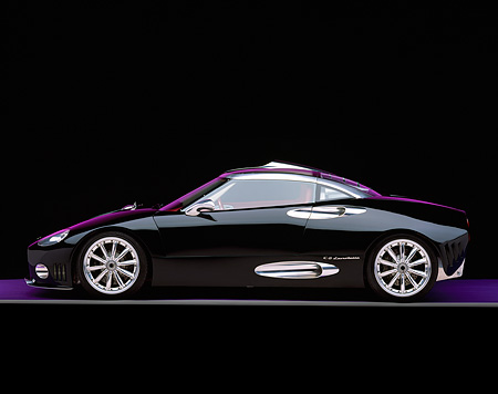 AUT 09 RK0477 01 © Kimball Stock Spyker C8 Laviolette Coupe Black Profile Purple Lighting And Floor Gray Line Studio