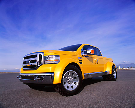 AUT 09 RK0571 03 © Kimball Stock Ford F-350 Tonka Truck Yellow Concept 3/4 Front View Low On Pavement
