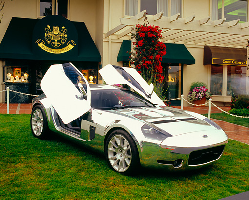 AUT 09 RK0790 01 © Kimball Stock Ford Shelby GR-1 Aluminium Body 3/4 Front View Doors Up On Grass By Building
