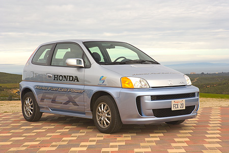 AUT 09 RK0871 01 © Kimball Stock Honda FCX Fuel Cell Car Silver 3/4 Side View