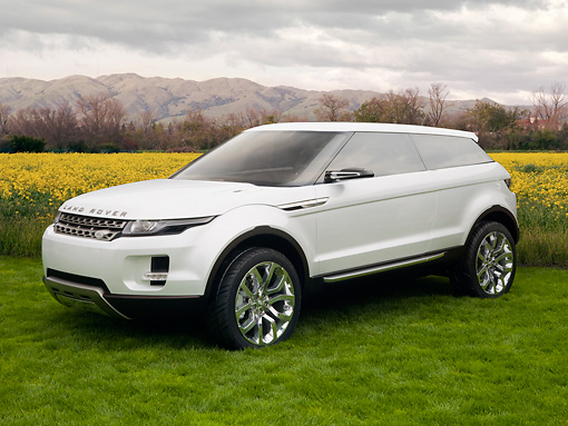 AUT 09 RK1097 01 © Kimball Stock 2008 Land Rover LRX SUV Hybrid Concept White 3/4 Front View On Grass