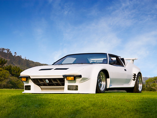 AUT 10 RK0036 01 © Kimball Stock 1972 De Tomaso Pantera GT5 Conversion White 3/4 Front View On Grass