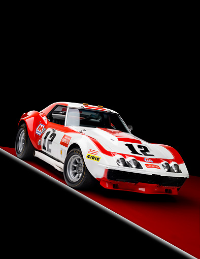 AUT 13 RK0252 01 © Kimball Stock 1968 Owens/Corning Chevrolet Corvette Race Car White & Red 3/4 Front View Studio