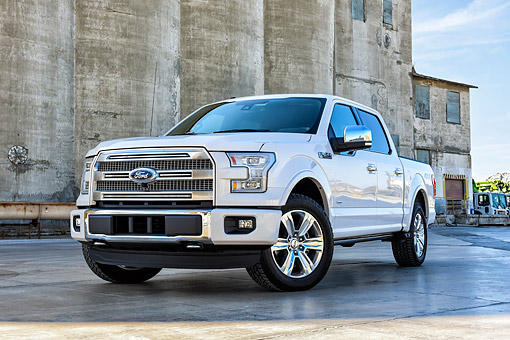 AUT 14 BK0112 01 © Kimball Stock 2015 Ford F-150 Platinum 4x4 White 3/4 Front View By Factory