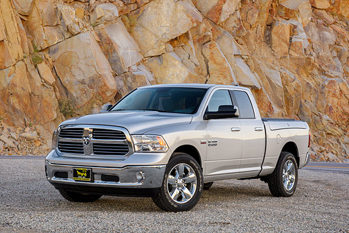 AUT 14 BK0126 01 © Kimball Stock 2016 Dodge Ram 1500 Hemi 5.7 Liter Silver 3/4 Front View By Granite