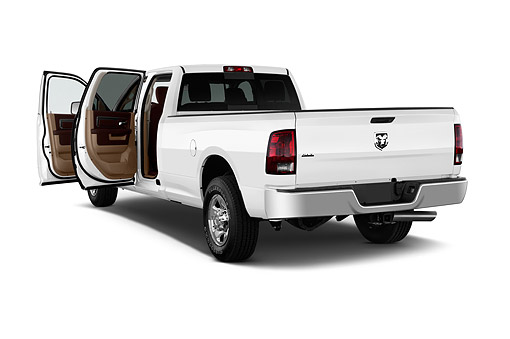 AUT 14 IZ0238 01 © Kimball Stock 2015 Ram 2500 SLT Crew Cab SWB 4-Door Truck 3/4 Rear View In Studio