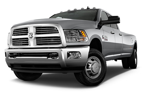 AUT 14 IZ0256 01 © Kimball Stock 2015 Ram 3500 Big Horn Lone Star Crew Cab SWB 4-Door Truck Low 3/4 Front View In Studio