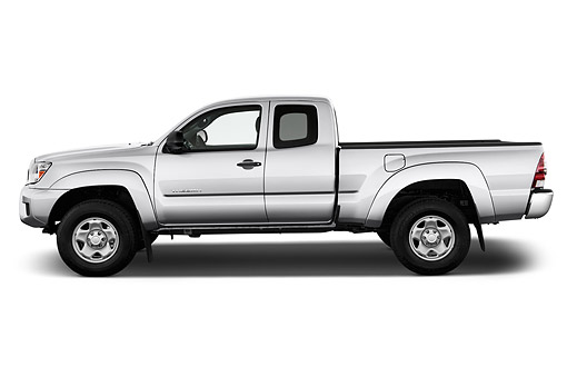 AUT 14 IZ0283 01 © Kimball Stock 2015 Toyota Tacoma Prerunner Access Cab AT 4-Door Truck Profile View In Studio