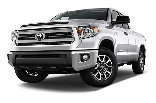 AUT 14 IZ0297 01 © Kimball Stock 2015 Toyota Tundra 5.7 Auto 4WD SR5 Doublecab Low 3/4 Front View In Studio