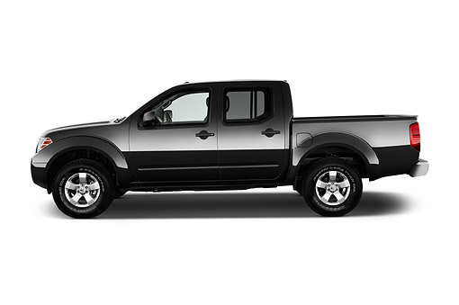AUT 14 IZ2034 01 © Kimball Stock 2015 Nissan Frontier 4.0 SV Crew Cab 4x4 AT SWB 4-Door Truck Profile View In Studio